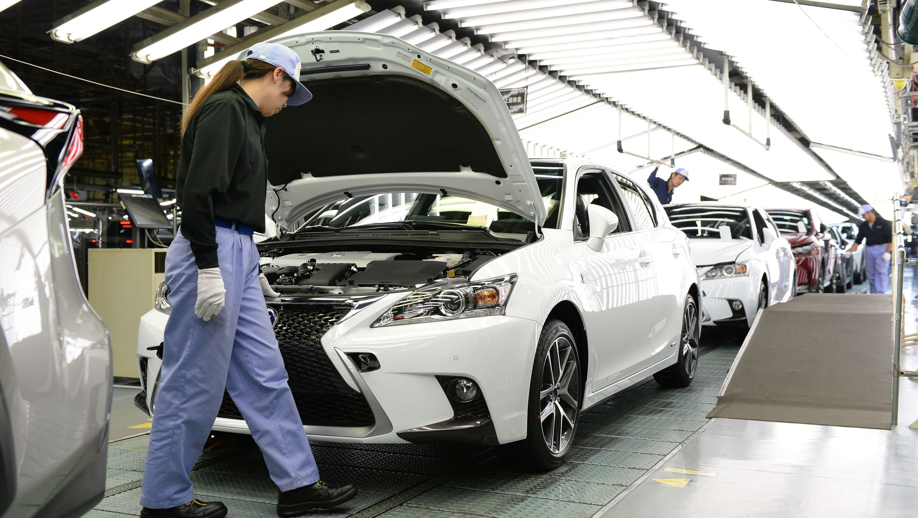State College Motors >> Toyota hangs on to remain world's top-selling automaker