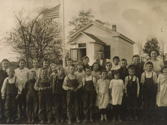 Lilac hill school.jpg