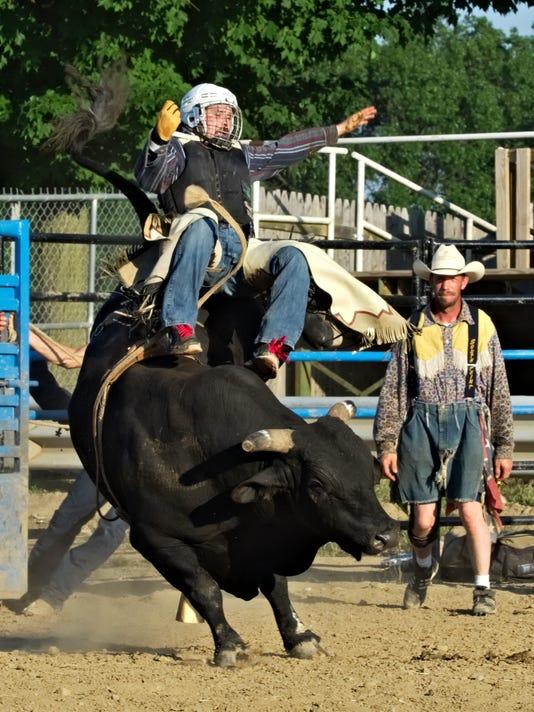 636676842947912342-Bull-Ride-03.jpg