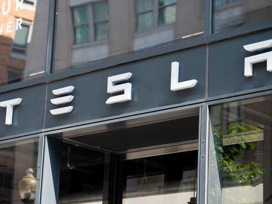 FILES-US-AUTOMOBILE-STOCKS-ENVIRONMENT-TESLA