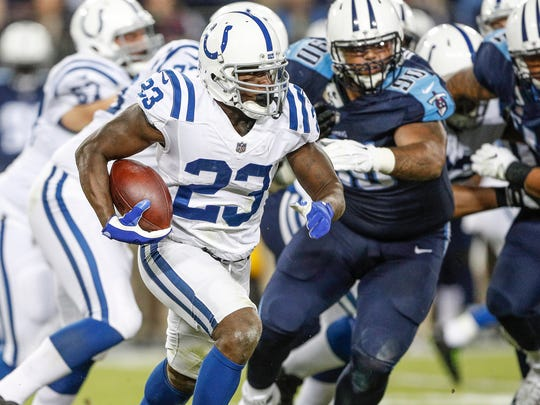 Indianapolis Colts running back Frank Gore (23) gets the corner and takes off on a run against the Tennessee Titans at Nissan Field in Nashville, Tenn., on Monday, Oct. 16, 2017.