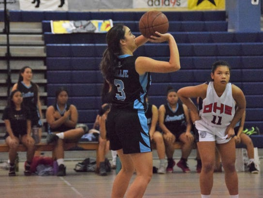 Tiffany Terlaje of the Southern Dolphins shoots a free