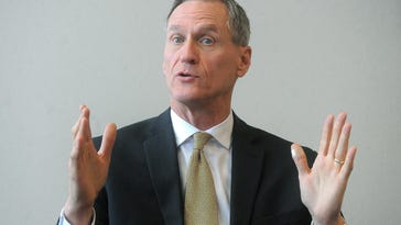 Daugaard tops national governor poll
