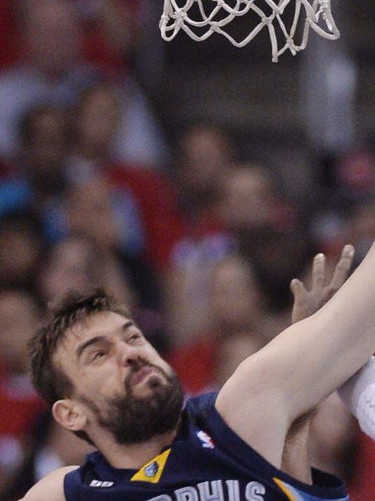 4-24-marc-gasol-ronny-turiaf-dpoy-grizzlies-clippers