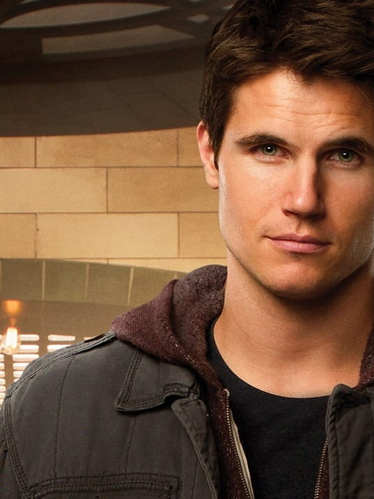'The Tomorrow People' Interview: Robbie Amell Previews the ...