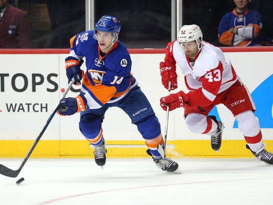 NHL: Detroit Red Wings at New York Islanders