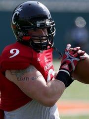 Cincinnati Bearcats TE Patrick Coyne (9) caught a pass