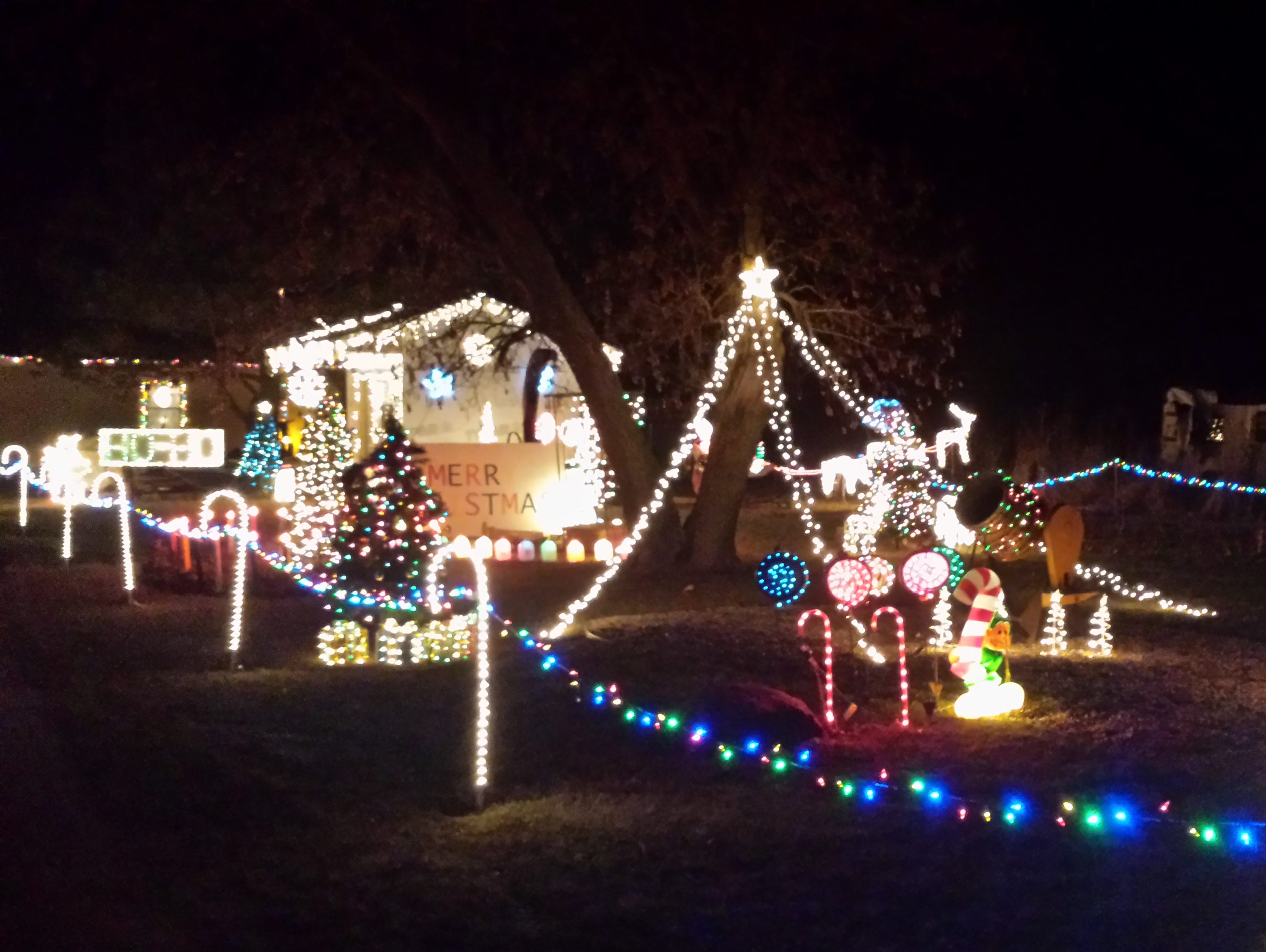 xmas lighting decorations christmas tree home of the milanowski family 1976 county o junction christmas lights displays in central wisconsin you dont want to miss