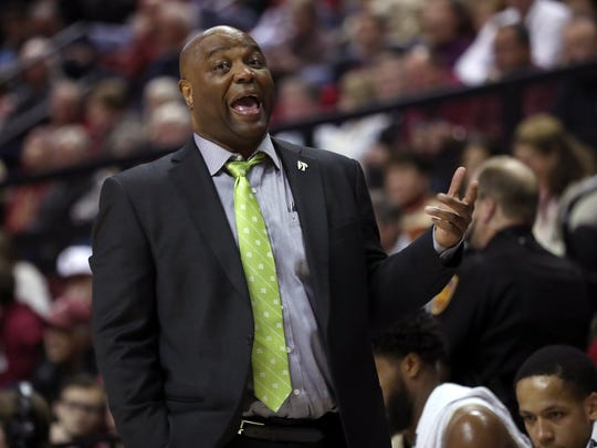 FSU Head Coach Leonard Hamilton yells out to his team