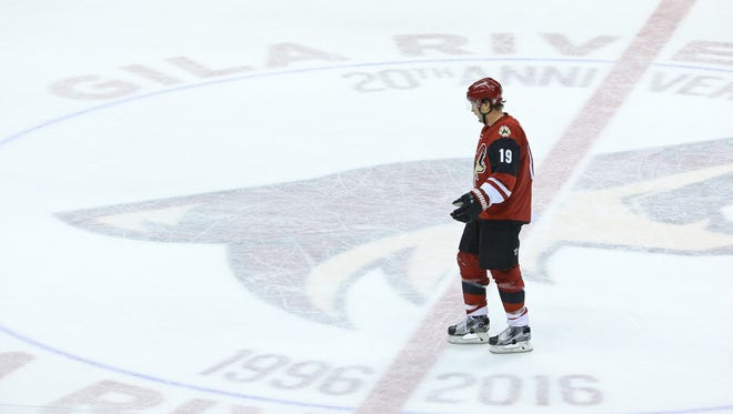 Shane Doan heads to the locker room prior to what ended up being his final period of hockey as an Arizona Coyotes on April 8.