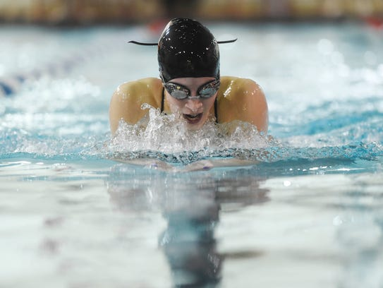 York Suburban's Keelie Walker takes first in the girls'