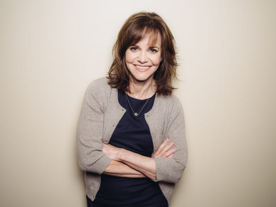 She shined as Mama Gump, but 20 years later, Sally Field still looked youthful.