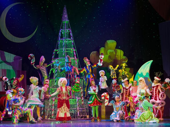 A scene from Cirque Dreams Holidaze