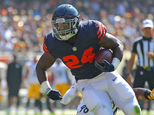 Bears RB Jordan Howard in the alternate uniforms Chicago