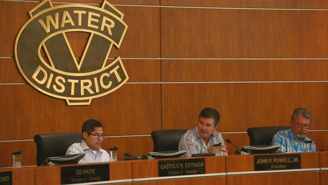 Coachella Valley Water District board members at a public meeting in 2016.