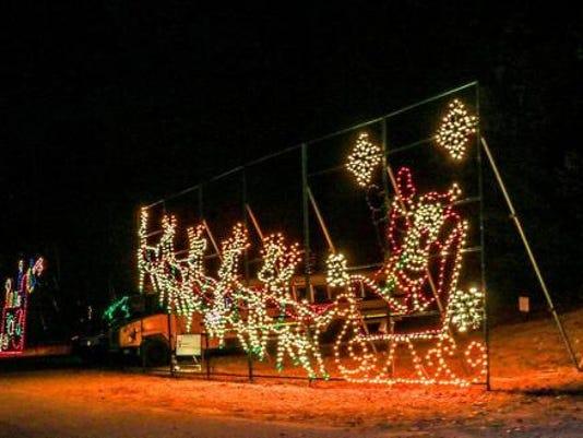 636465142580255403 lights2jpg holiday lights displays - Local Christmas Light Shows