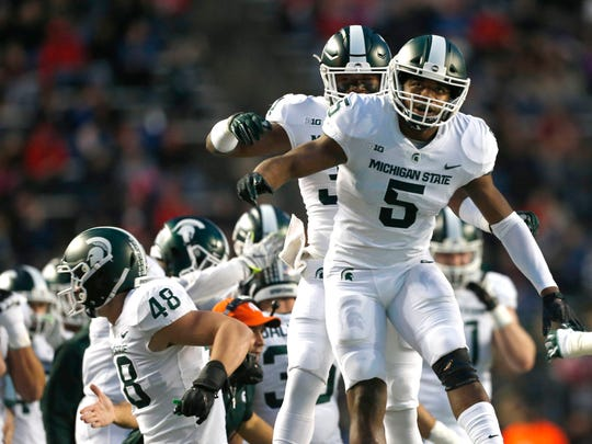 Michigan State Spartans linebacker Andrew Dowell (5)