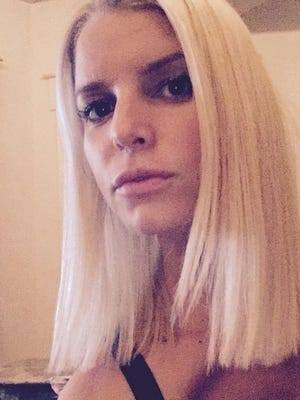 Jessica Simpson shows off her shorter hairdo.