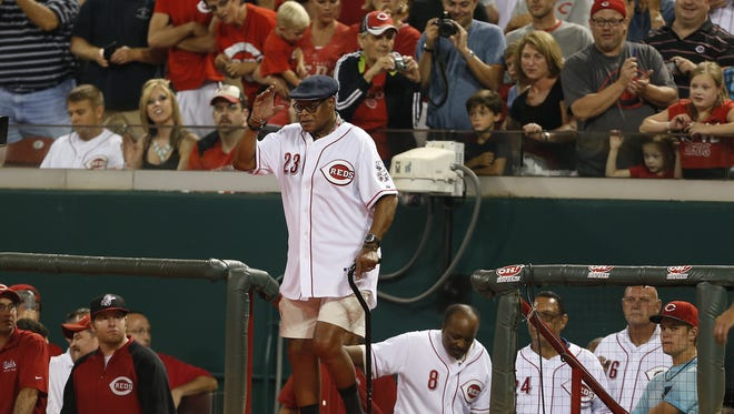 Former Reds great Lee May receives an ovation during a ceremony in August of 2014 honoring Reds Hall of Famers and alumni at Great American Ball Park.
