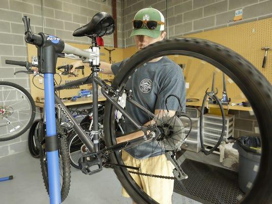 UWO-Bike-Share-LEAD-091817-JS0350B-1-.jpg