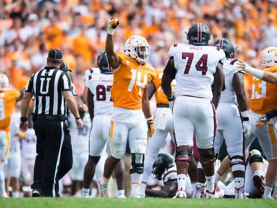Tennessee linebacker Quart'e Sapp (14) celebrates a