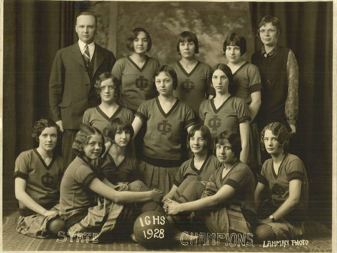 1928: The Ida Grove basketball team won the state girls'