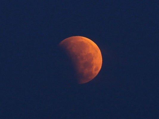 635785313275201573-eclipse