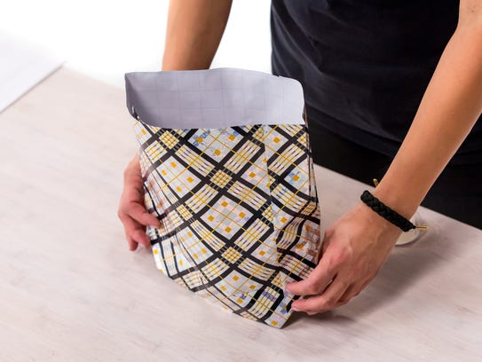 This bag is a good solution for holding gifts that