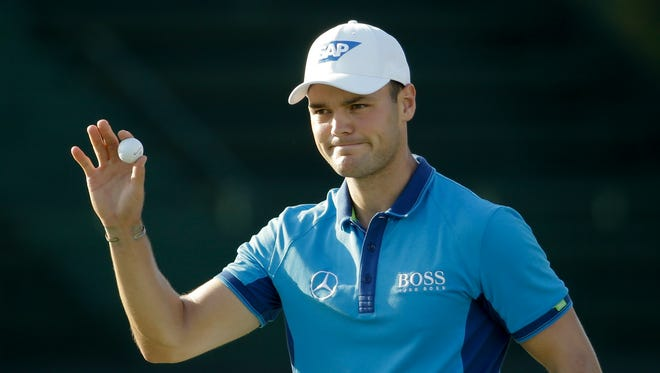 Martin Kaymer waves after shooting a 5-under-par 65 in the first round of the U.S. Open in Pinehurst, N.C., on Thursday.