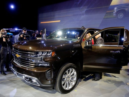 Detroit Auto Show Chevy Silverado Reinvents Pickup Bed - Voss chevrolet car show