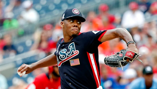 Hunter Greene is the Reds top pitching prospect in the minors.