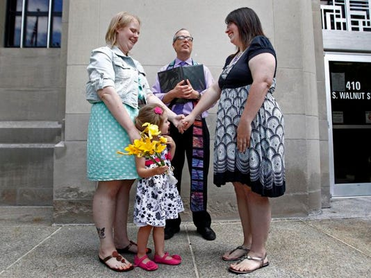 -APCBrd_06-10-2014_Crescent_1_A001~~2014~06~09~IMG_APC_Gay_Marriage_lic_1_1_.jpg