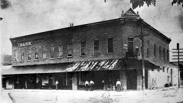 Heitman's store is pictured circa 1901.