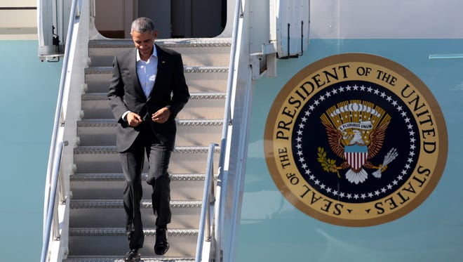 President Obama arrives in Palm Springs aboard Air Force One in 2015.
