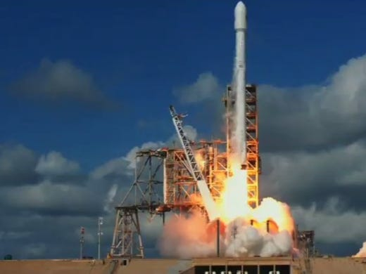 A SpaceX Falcon 9 rocket launched Thursday at 10 am