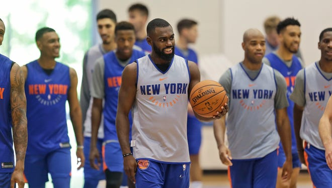 New York Knicks' Tim Hardaway Jr., center, participates in NBA basketball practice in Greenburgh, N.Y., Tuesday, Sept. 26, 2017.