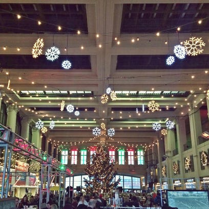Enjoy the holiday market every Saturday and Sunday from Nov. 28 to Dec. 20 at the Grand Arcade in Convention Hall.