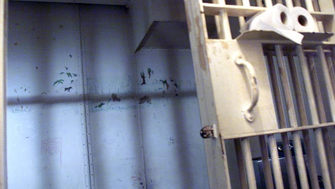 Two Tennessee prison officers were recently hospitalized due to separate attacks by inmates.
