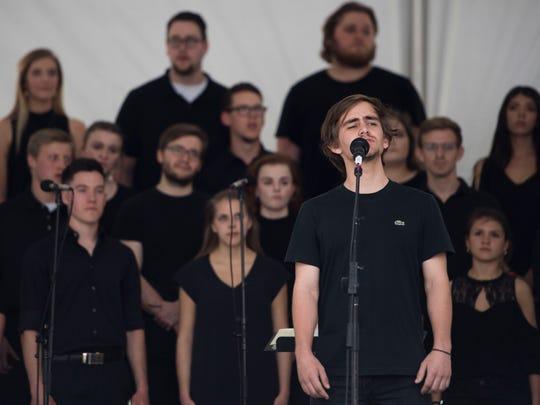 """Pellissippi State Community College """"Variations"""" chorus"""