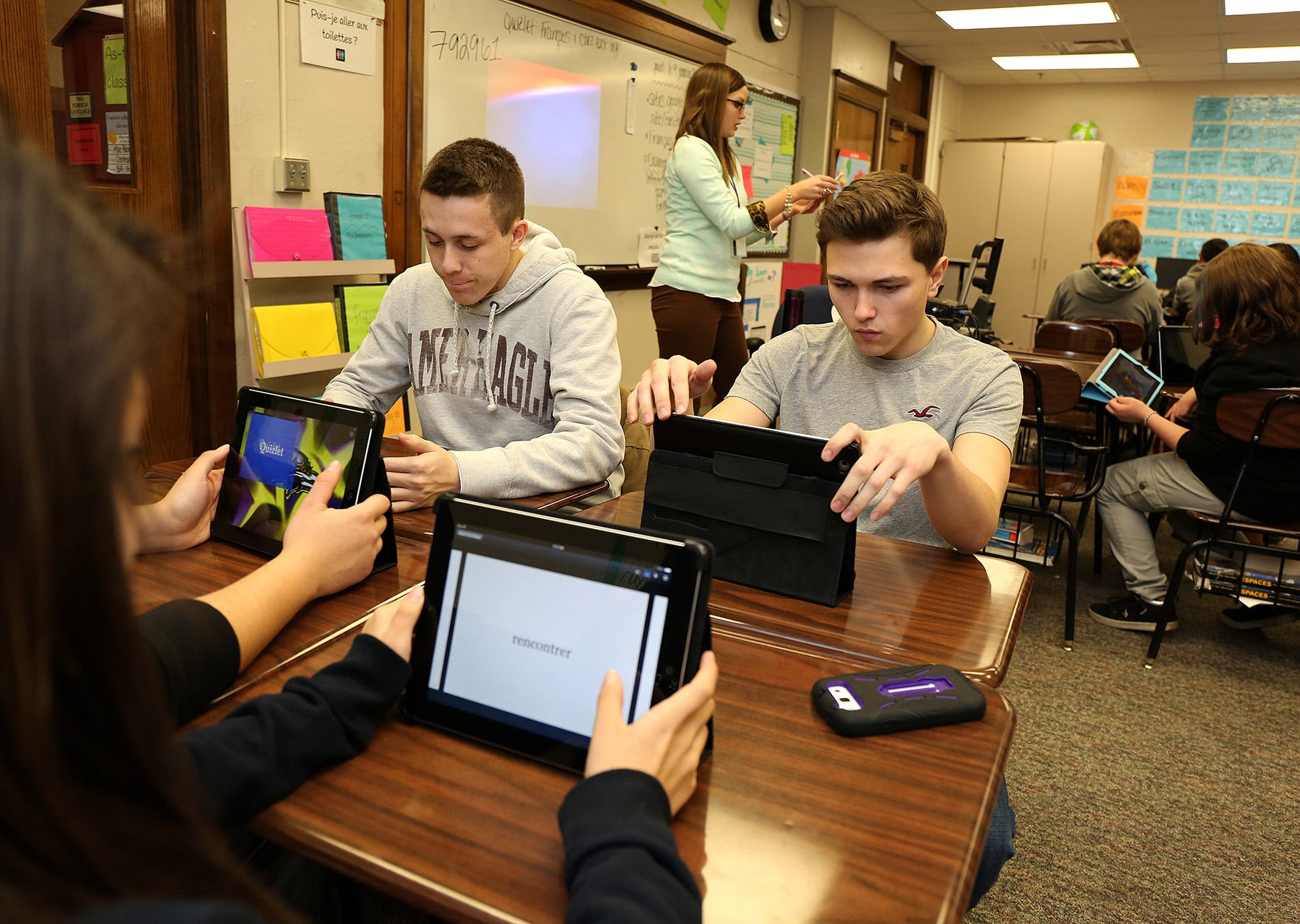 technologies-that-teens-use-to