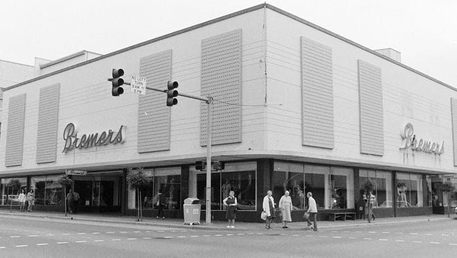 Bremer's Department Store building in 1975