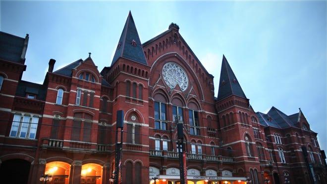 Cincinnati's Music Hall dates to 1878 and is a National Historic Landmark. It is home to the Cincinnati Symphony Orchestra, Cincinnati Opera, May Festival Chorus and the Cincinnati Pops Orchestra, and after renovations, the Cincinnati Ballet.