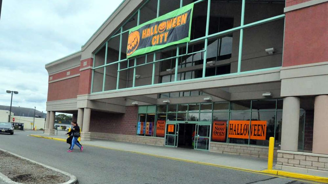 Christmas Tree Shops, World Market to move into former A&P ...