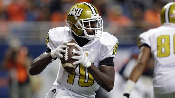 Alabama State quarterback Jujuan Young-Battle (10)