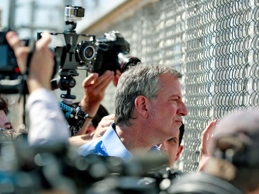 AP BORDER PROTECTION-DE BLASIO A FILE USA TX