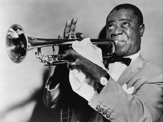 Louis Armstrong taught singers and musicians how to perform, said Tony Bennett.