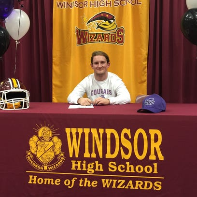 Windsor running back Jake Shields signed to play football