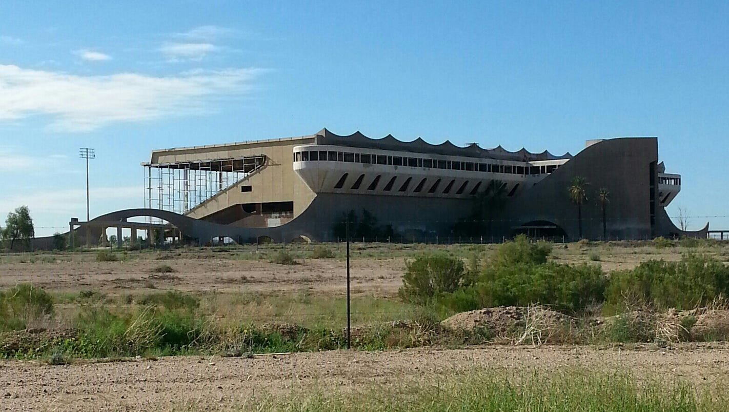 Huge Trotting Park In Goodyear Marks 50 Years Standing Empty