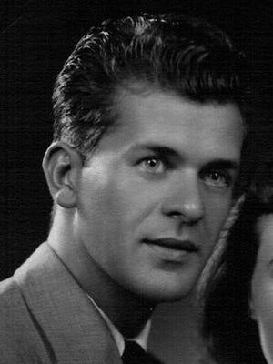 Edwin Dominic Kadlub, born in Chicago, IL, January 3, 1923, to Karol and Mary Galik Kadlub, passed away on April 27, 2014.