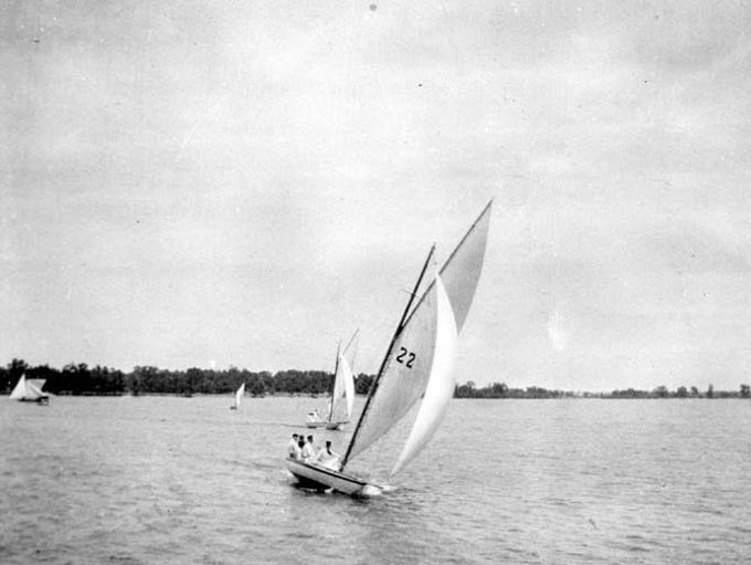 The Kathleen, captained by W.L. Davis, during the July 4, 1897 Lake Winnebago Championship Race.